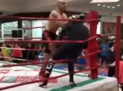 Organizatorul galei in care Mircea Badea a fost facut KO in 5 secunde prezinta motivul pentru care cei doi s-au batut (Video)