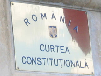 PDL a contestat la CCR legea referendumului si ...legea CCR