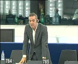 PE: Soarta ACTA ar putea depinde de votul lui Gigi Becali