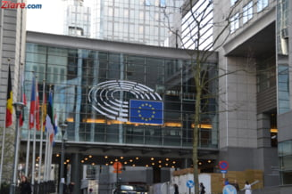 """PE isi suspenda sesiunile plenare de 4 zile pana in septembrie. Joi voteaza oprirea """"zborurilor fantoma"""""""