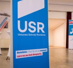 PLUS si USR au sedinte de partid, dar lansarea candidatului comun la presedintie se lasa asteptata
