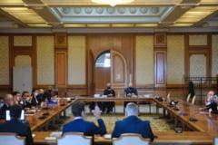 PNL și PSD au votat împotriva proiectului USR din Comisia Juridică pentru desființarea pensiilor speciale pentru primari