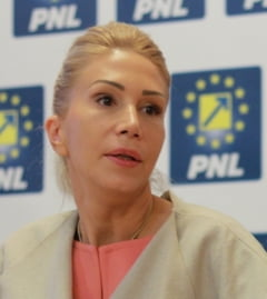 PNL cere demisia ministrului Educatiei: Ingradeste dreptul constitutional la invatatura (Video)