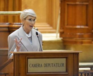 PNL cere sprijin pentru Guvern. Raluca Turcan: In doar doua saptamani o semnatura si un vot nu pot fi negate