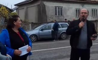 """PNL face campanie cu karaoke pentru Iohannis: """"Vin ai nostri, pleaca-ai vostri/Noi ramanem tot ca prostii"""" (Video)"""