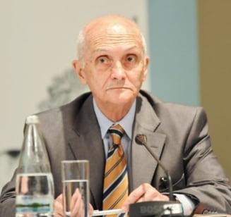 PNL il propune pe Dinu Zamfirescu in Colegiul CNSAS, Dinescu pleaca ?