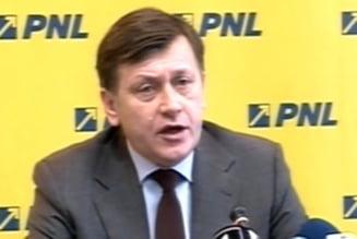 PNL incepe campania de strangere de semnaturi pentru suspendarea lui Basescu