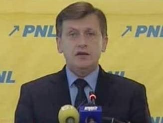PNL va sesiza CCR daca Basescu il respinge pe Iohannis