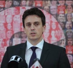 PSD: Dorinta liberalilor de a fuziona cu PDL tradeaza planul lui Antonescu