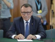 PSD cere demisiile de onoare ale ministrilor Stanescu si Sova. Stanescu: Am fost umilit inutil