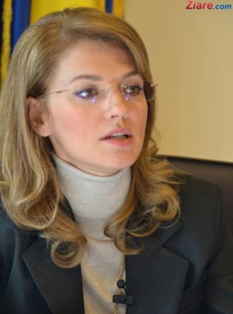PSD ii cere Alinei Gorghiu sa il suspende pe Adomnitei din toate functiile detinute
