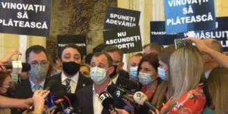 PSD protesteaza in Parlament, cu pancarte, dupa modelul USR. Ce nemultumiri au social-democratii VIDEO