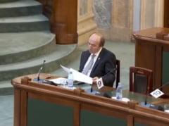 PSD vrea sa il inlocuiasca pe Toader cu Nicolicea. Senatul a amanat pentru a patra oara motiunea depusa impotriva lui