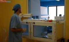 Pacienta in coma la Spitalul CF2, dupa o transfuzie gresita. Sotul acuza medicii ca l-au mintit zile intregi