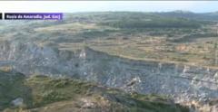 Padure inghitita de un crater. Localnicii dau vina pe exploatarile miniere