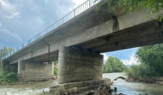 Pagube de 3 milioane de lei pe podul din Slatina Timis