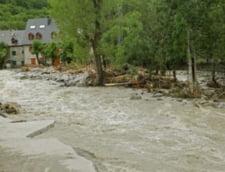 Pagubele nu se mai opresc: Inundatiile au distrus sute de kilometri de drumuri forestiere