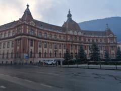 Palatul Administrativ, impodobit pentru sarbatorile de iarna