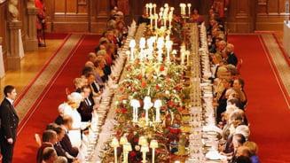 Palatul Buckingham angajeaza spalator de vase. Salariu: 17.500 de euro pe an