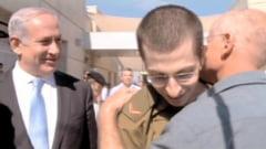 Palestinienii, incurajati sa mai rapeasca si alti soldati israelieni