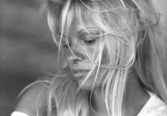 Pamela Anderson, discurs in Parlamentul Frantei: Stop indoparii fortate a gastelor!