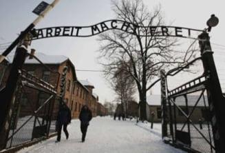 Pancarta de la Auschwitz, furata de un neo-nazist suedez