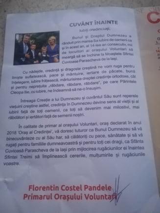 Pandele, mesaj si poza de familie pe o brosura cu Sf. Parascheva, distribuita pelerinilor (Galerie Foto)