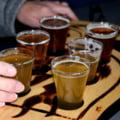 Pandemia a redus cu peste 7% consumul de bere in Romania. Principalele motive sunt determinate de inchiderea temporara a barurilor si restaurantelor
