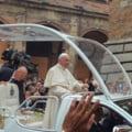 Papa Francisc a donat 30 de aparate de ventilatie mecanica