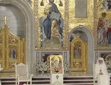 """Papa Francisc a explicat """"Tatal Nostru"""" in Catedrala Mantuirii Neamului: Sa ne lasam trecutul in urma si sa imbratisam prezentul"""