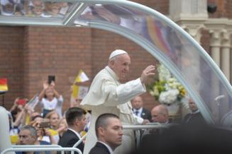 Papa Francisc a plecat: Ma simt acasa cu voi. Plec imbogatit. Sunteti prezenti in rugaciunea mea, rugati-va pentru mine!