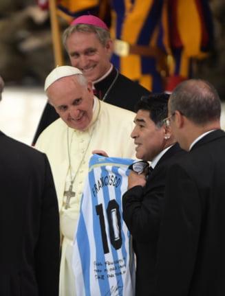 "Papa Francisc il omagiaza pe Maradona: ""A fost un poet pe teren, un mare campion"""