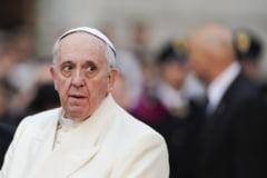 Papa Francisc recunoaste ca in Biserica Catolica au existat cazuri de abuzuri sexuale, inclusiv sclavie