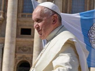 Papa Francisc sustine renuntarea la drepturile de proprietate intelectuala pentru vaccinurile Covid-19