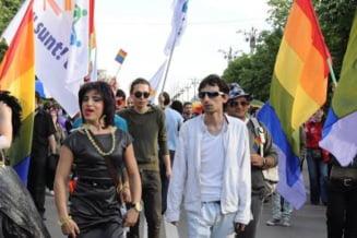 Parada GayFest s-a incheiat - au fost de doua ori mai multi jandarmi decat manifestanti
