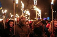 Parada controversata in Ucraina: 10.000 de militanti de extrema dreapta au defilat prin Kiev