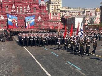 Parada-mamut de Ziua Victoriei la Moscova: Putin a criticat Occidentul, un tanc a luat foc