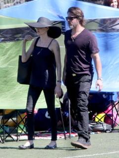 Paradisul sotilor Jolie-Pitt, amenintat de o pata de petrol gigantica