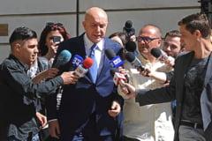 Paradoxul Justitiei: Complicii lui Puiu Popoviciu au fost deja liberati conditionat, dar milionarul nici n-a inceput executarea sentintei de sapte ani