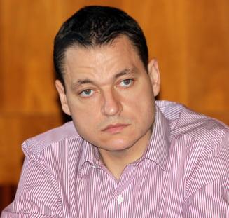 Paradoxul majoritatii USL: Peste 80% din amendamentele pe descentralizare, depuse de un PSD-ist
