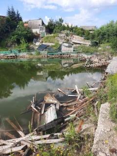 """Paragina infioratoare in care a ajuns complexul balnear unde gasim a doua cea mai sarata apa din Europa: """"E ca dupa razboi"""""""