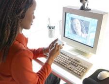 """Parintii pot """"traduce"""" limbajul adolescentilor cu ajutorul Internetului"""