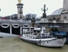 Parisul este inundat: Sena a ajuns la patru metri peste nivelul obisnuit (Foto&Video)