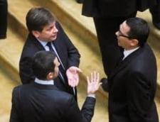 """Parlamentarii PD-L, somati sa voteze motiunea USL pentru a """"scapa"""" de Boc"""