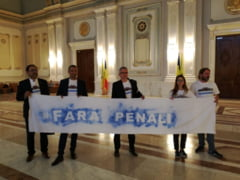 Parlamentarii USR au depus la Parlament o initiativa legislativa de eliminare a pensiilor speciale ale alesilor locali