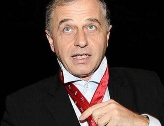 Parlamentarii il amana pe Negoita din cauza concediului lui Geoana