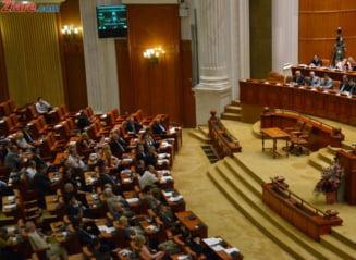 Parlamentarii pregatesc o super-imunitate a avocatilor - Guvernul si DNA critica modificarile