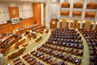 """Parlamentarii raman fara pensii speciale. Deputatii si senatorii au adoptat proiectul de lege cu 357 de voturi """"pentru"""""""