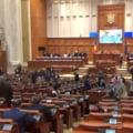Parlamentarii romani nu s-au abtinut nici in timpul vizitei lui Juncker de la glume si replici acide
