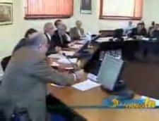 """Parlamentarii vor ca presa scrisa si online sa intre sub """"incidenta"""" CNA"""